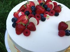 December 25, Panna Cotta, Raspberry, Wedding Cakes, Cheesecake, Food And Drink, Cupcakes, Fruit, Ethnic Recipes