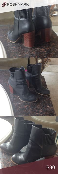Zara boots Great condition Zara boots! Little wear shown in pic!  boot with brown heel. Zara Shoes Ankle Boots & Booties