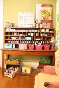 Great craft area. (And a to-die-for gumball machine.)