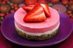 Oh dear me...making this tomorrow, yum!  Raw Strawberry Cheesecake!