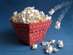 except, my origami popcorn box is better. And there will be real popcorn inside. 🙂 Source by nicholebarley Origami Toys, Instruções Origami, Origami Envelope, Origami And Kirigami, Origami Ball, Origami Flowers, Origami Hearts, Dollar Origami, Origami Bookmark