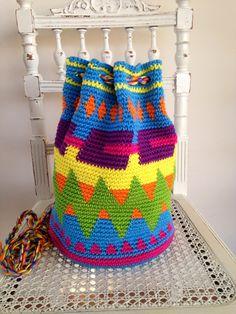 draad en praat...: Hippe tapestry gehaakte mochila tas!