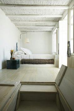 natural and minimal! designer Marilyn Katsaris