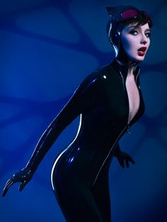 This Adam Hughes New 52 Catwoman Cosplay Is Sexy Latex Purrfection