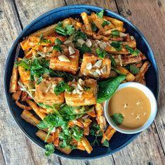 10 idées de marinades végétales | Vegan freestyle Seitan, Tempeh, Marinade Tofu, Sauce Sriracha, Sauce Barbecue, Fresh And Clean, Vinaigrette, Thai Red Curry, Pesto