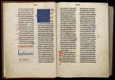 Troyes, M.G.T., ms. 27. Clairvaux, v. 1155-1165  Sur les six volumes qui ont composé la Bible à l'origine, seuls cinq subsistent, celui qui contenait Job, le Psautier et les livres de Salomon étant perdu. Tous les volumes sont écrits par le même copiste, un des grands calligraphes du XIIe siècle.