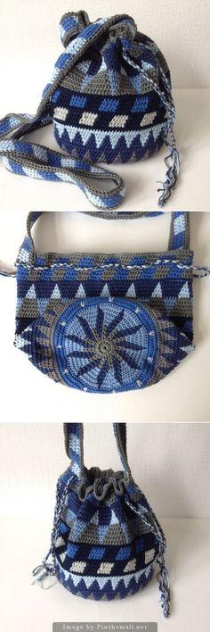 Mochila - crochet - bag using tapestry crochet technique Crochet Diy, Tunisian Crochet, Love Crochet, Crochet Crafts, Crochet Shawl, Crochet Handbags, Crochet Purses, Crochet Bags, Tapestry Bag
