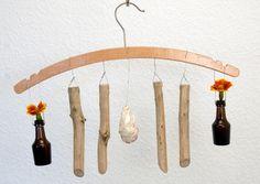 Mobile, Fensterdeko, hängende Vase mit Holzteilen von SchlueterKunstundDesign - Wohnzubehör, Unikate, Treibholzobjekte, Modeschmuck aus Treibholz auf DaWanda.com