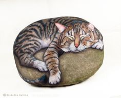 Cats hand painted on stone by Ernestina Gallina-Pietrevive Rock Art-Cat stones Pebble Painting, Pebble Art, Stone Painting, Painted Rock Animals, Hand Painted Rocks, Painted Stones, Painted Pebbles, Painted Garden Rocks, Stone Crafts