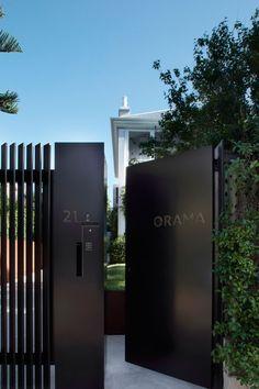 New exterior house entrance gates ideas Front Gate Design, House Gate Design, Door Design, Exterior Design, Steel Gate Design, Modern Fence Design, Modern House Design, Gate Designs Modern, Entrance Gates
