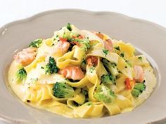 Carbonara s lososem / Salmon carbonara. Fish And Seafood, Potato Salad, Macaroni And Cheese, Food And Drink, Lunch, Ethnic Recipes, Easy, Fitness, Diet