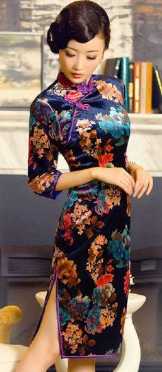 Classic 50's style cheongsam from Shanghai Beauty