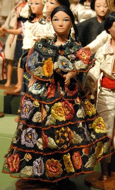 Chiapaneca Doll Mexico    Representing the state of Chiapas in southern Mexico, this doll wears the gala fiesta costume worn by women in the lovely town of Chiapa de Corzo