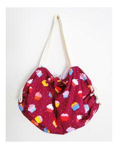 Bolsa-toalha cupcakes fundo roxo