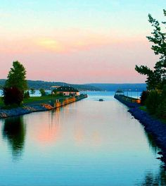Best things to eat, drink and do without leaving NY. Drive four hours north and west of Manhattan and you'll find yourself in the Finger Lakes region of New York State. Named so because from the air o...