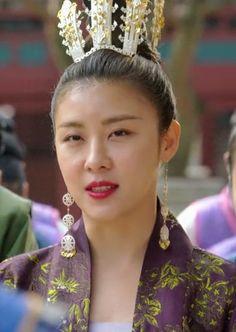 Korean Traditional, Traditional Outfits, Empress Ki, Ha Ji Won, Ji Chang Wook, K Idol, Korean Drama, Kdrama, Bts