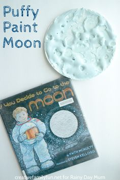 Space Mystery DIY Puffy Paint recipe and fantastic space based art for kids - DIY Puffy Paint recipe and space themed artwork using the recipe based on the book If you Decide to go to the Moon by Faith McNulty. Puffy Paint, Preschool Science, Preschool Crafts, Planets Preschool, Outer Space Theme, Moon Crafts, Space Projects, Solar System Projects For Kids, Solar System Activities