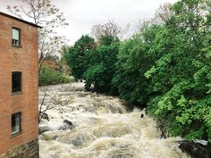 roundhouse hotel waterfall beacon ny