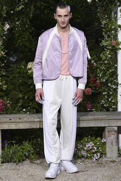 See all the Collection photos from Pigalle Spring/Summer 2017 Menswear now on British Vogue 90s Fashion, Fashion Show, Luxury Fashion, Fashion Outfits, Womens Fashion, Latest Fashion, Vogue Paris, Pigalle Paris, Summer Collection