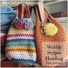 Wobbly Stripes Handbag - Free Pattern | Tw-In Stitches ༺✿ƬⱤღ  https://www.pinterest.com/teretegui/✿༻