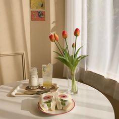 67 trendy photography tips sony Cream Aesthetic, Brown Aesthetic, Flower Aesthetic, Aesthetic Rooms, Aesthetic Photo, Aesthetic Pictures, Mood And Tone, Cafe Food, Cafe Menu