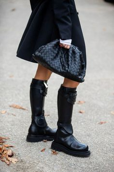 Stunning 38 Beautiful Winter Women Street Style Ideas That Will Inspire You