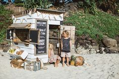 Castle and Cubby 'Coco Beach Shack' – made in Melbourne, Australia - All About Balcony Backyard Play, Backyard For Kids, Backyard Projects, Kids Cubby Houses, Play Houses, Farm Kids, Playhouse Outdoor, Kids Play Area, Beach Shack