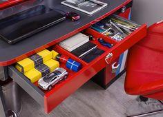 Cilek Champion Racer Schreibtisch mit Audiosystem     Dieser Schreibtisch ist ein High - End - Gerät. Hier hat die Firma Cilek wieder einmal bewiesen, dass man Spiel und Spaß mit Technik und effizienter Arbeitsfläche... #schreibtische #kinder #cilek