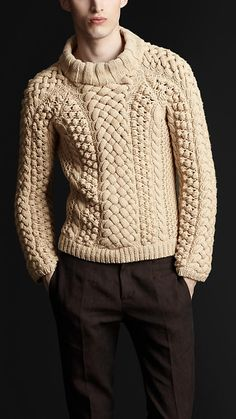 BURBERRY CHUNKY CABLE KNIT SWEATER