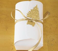 Gift box for folding. Free printable template