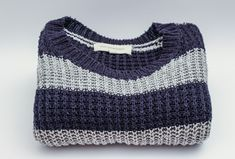We need winter sweater hacks to fix and repair our favorite warm and cozy sweaters! From holes to shrink, the best winter sweater hacks will fix any sweater Winter Sweaters, Sweater Weather, Wool Sweaters, Chilly Weather, Fall Fashion Trends, Fall Trends, Autumn Fashion, Fashion Guide, Fashion Bloggers
