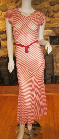 Art Deco Bias Cut Evening Gown Dress w/Capelet - Sheer Red & White Stripe 1930s Fashion, Art Deco Fashion, Timeless Fashion, Vintage Fashion, Retro Fashion, Style Fashion, Vestidos Vintage, Vintage Dresses, Vintage Outfits