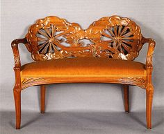 Pequeño sofá Art Nouveau Furniture, Art Furniture, Accent Furniture, Mobiliário Art Nouveau, Eclectic Furniture, Arts And Crafts Movement, French Artists, Floral Motif, Decoration