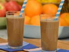 Get this all-star, easy-to-follow Complete Breakfast Smoothie recipe from Jeff Mauro