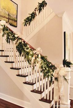 40+ Christmas Garland Decorating Ideas