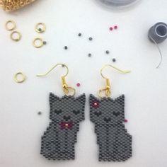"""24 Likes, 6 Comments - Méloée Mook (@meloeemook) on Instagram: """"Deux petits chats sur le motif d'@etoiles_pistache pour @emma.56430  #miyuki #brickstitch…"""""""