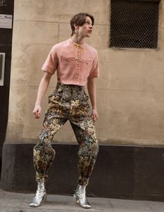 """Motoguo fall winter 2018 """"The Rite of Spring"""" Queer Fashion, New Mens Fashion, Androgynous Fashion, Runway Fashion, High Fashion, Fashion Show, Fashion Outfits, Fashion Design, The Rite Of Spring"""