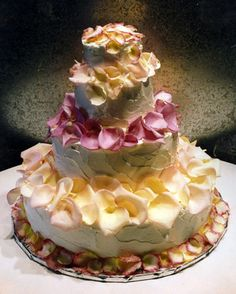 Rosebud Cakes - The Last Word in Original Cake Design Gorgeous Cakes, Pretty Cakes, Cute Cakes, Amazing Cakes, Unique Cakes, Creative Cakes, Elegant Cakes, Take The Cake, Love Cake
