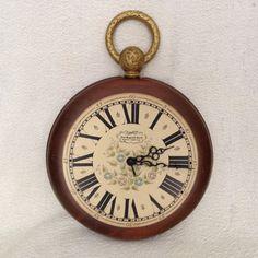 New England Clock Company Wall Clock  Looks Like a by SuzyQsRedos
