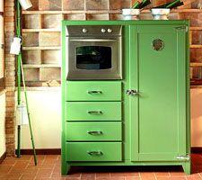 lovely vintage looking refrigerator