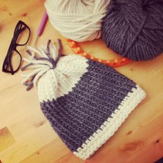 Cappellino in lana fatto con il telaio circolare - Wool hat made with Knitting ring loom, knifty knitter