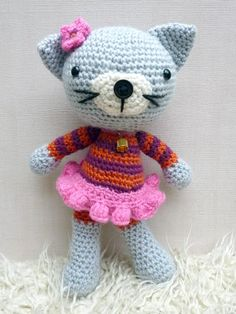 Kitty Kat amigurumi crochet pattern by Janine Holmes at Moji-Moji Design