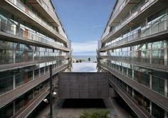 Barcelona Biomedical Research Park / Manel Brullet & Albert de Pineda