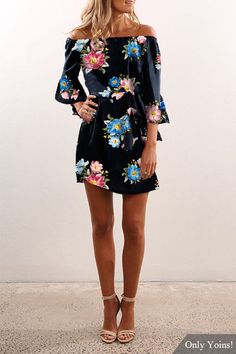 Black Off Shoulder Random Floral Print Dress - US$13.19 -YOINS