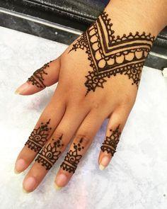 Die besten 17 Ideen zu Henna Muster Hand auf Pinterest | Doodle ...