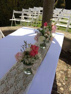 The lovely birtsmorton court Registrar table #pennyjohnsonflowers #birtsmortoncourt #Summerwedding
