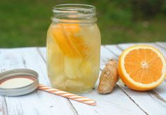 Infused water is easy to do, but there are a few things you should know first. Here are some things to keep in mind when you are making your infused water. Ginger Infused Water Recipe, Flavored Water Recipes, Ginger Water, Fruit Infused Water, Infused Waters, Fresh Ginger, Healthy Eating Tips, Healthy Nutrition, Healthy Drinks