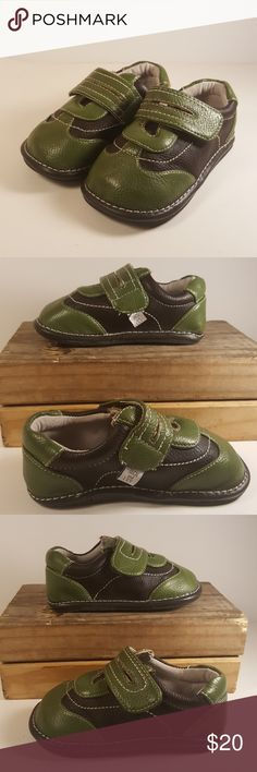Jack and Lily Baby Boy Shoes Size 6-12 Months Up for your consideration is this beautiful pair of Jack and Lily my shoes. Green and brown color, size 6 to 12 months.  Excellent condition, like new.  Smoke-free home  Feel free to ask any questions.   Please check my other listings I have more clothes and shoes for the whole family.   Thank you and have a great day. Jack and Lily Shoes Baby & Walker