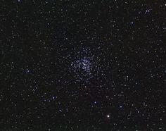 Los objetos Messier: M37 (Messier 37) es un cúmulo abierto en la constelación de El Cochero. Es el más brillante de los tres que podemos observar en esa región del firmamento, se encuentra en dirección opuesta al centro de la galaxia. Se encuentra a 4.500 años-luz de distancia de nuestro planeta. #astronomia #ciencia