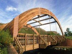 Tension and Compression Curve Glulam Bridge Timber Architecture, Beautiful Architecture, Architecture Design, Timber Structure, Bridge Design, Pedestrian Bridge, Eco Friendly House, Wood Laminate, Wood Beams